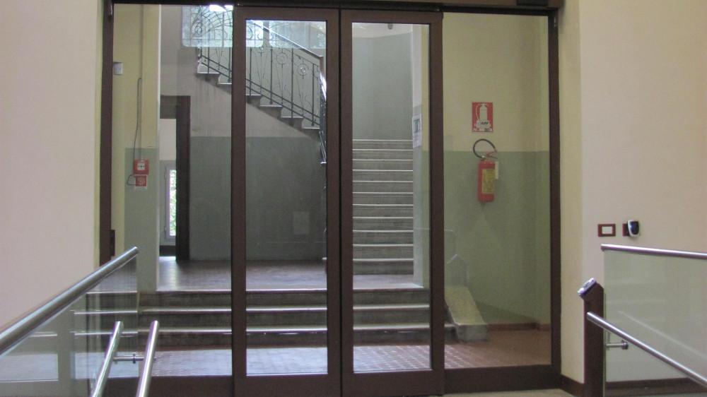 Porta automatica scorrevole Università di Padova